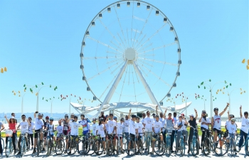 As part of celebrations of 150th Birth Anniversary of Mahatma Gandhi, Embassy of India, Baku on the occasion of the World Bicycle Day organized a Cycling Event on 03 June 2019 from the Double Gate of  historic Old City of Baku to the sprawling Baku Seaside Boulevard.